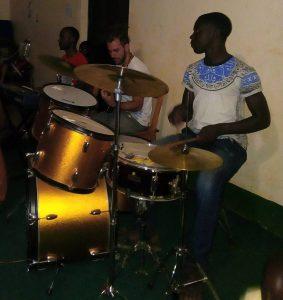 Manu mit Band