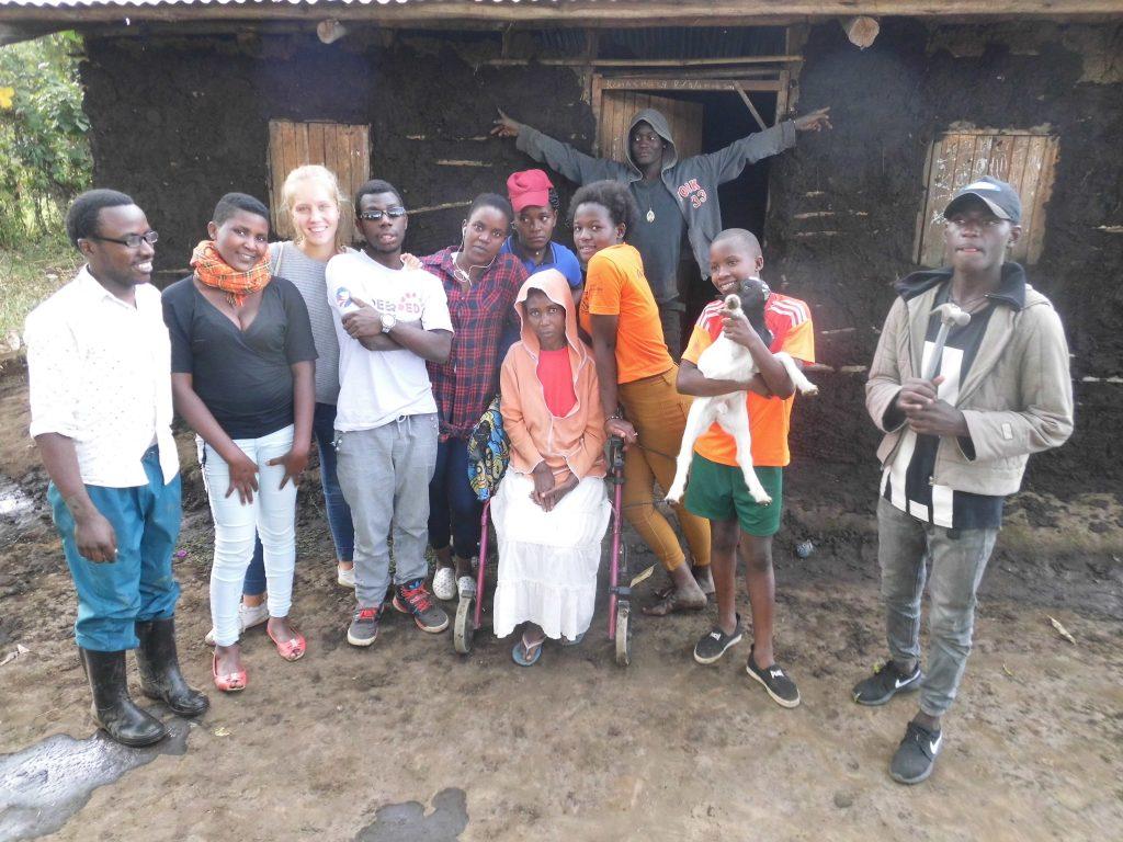 YAWE-Projekt zum Bau einer Latrine für Menschen mit Rollstuhl