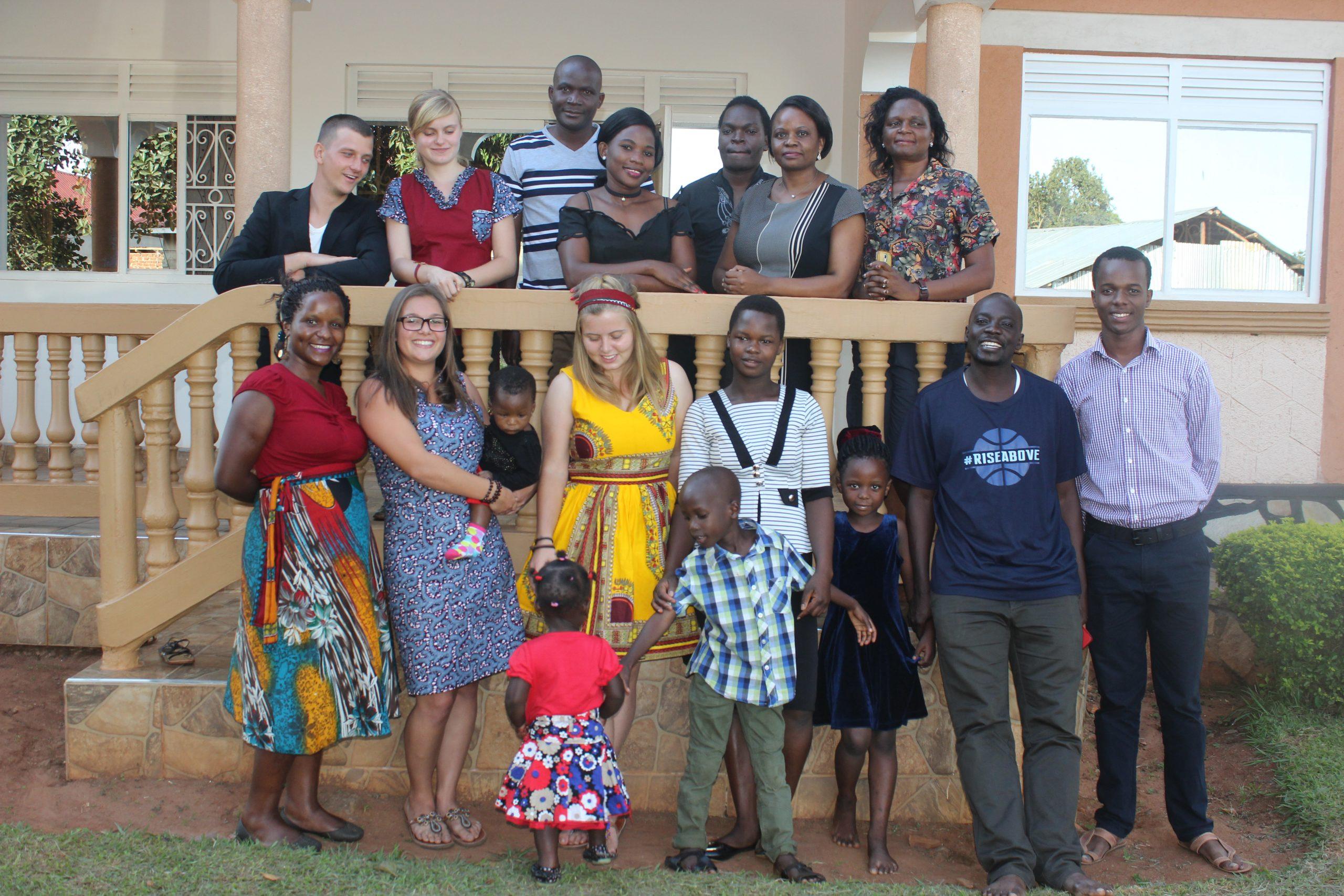 Gruppenfoto mit Familien 2. Generation