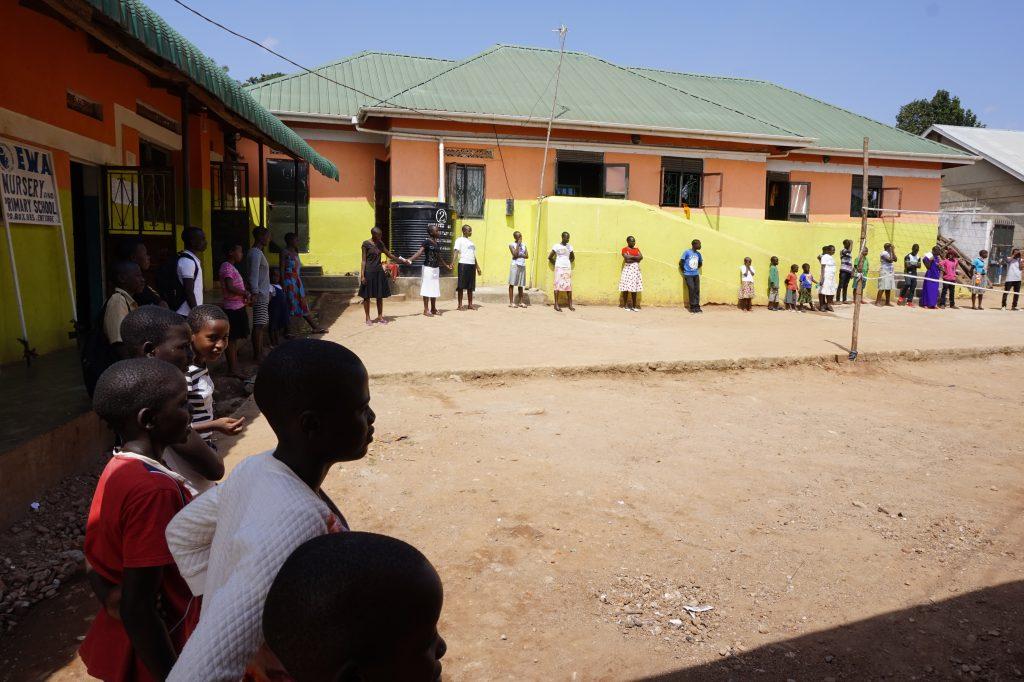 Versammlung am Weltfrauentag in der EWA Schule