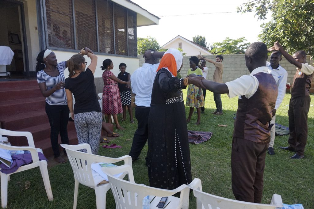 Erste-Hilfe-Kurs vom Roten Kreuz mit Vertreter:innen aus dem VUGA-Netzwerk
