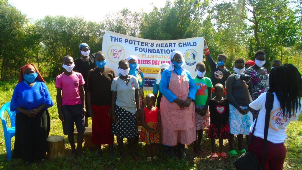 PHFC während ihrer Arbeit in der Community