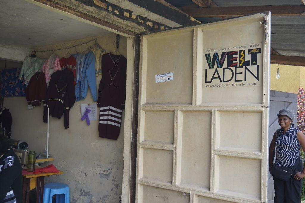YAWE hat einen eigenen Weltladen auf seinem Gelände.